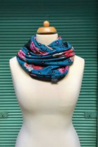 Women Loop Scarf SD4109RPB - rose pattern on blue base/black
